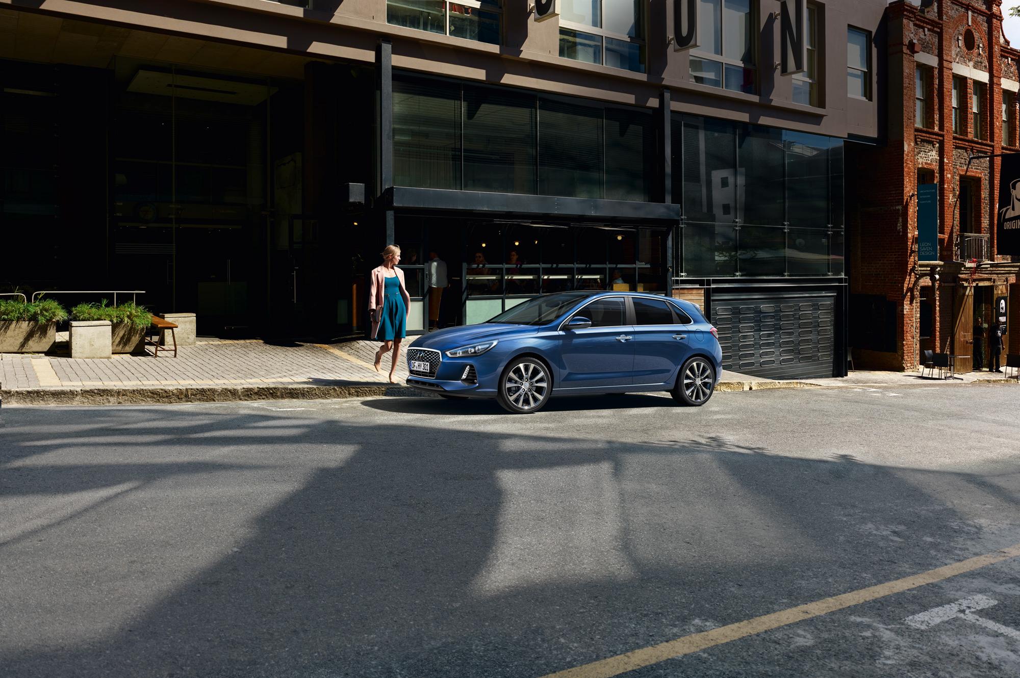 Der Neue Kraftsportler Im Hyundairegal Hyundai Gewinnspiel